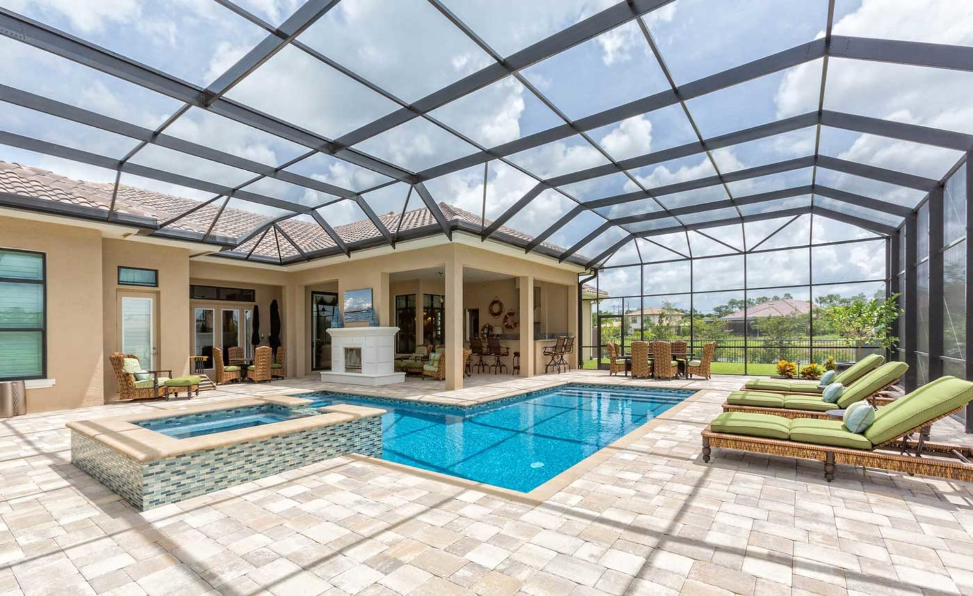 Pembroke Pines Pool Screen Enclosure Installation and Patio Repairs Solutions
